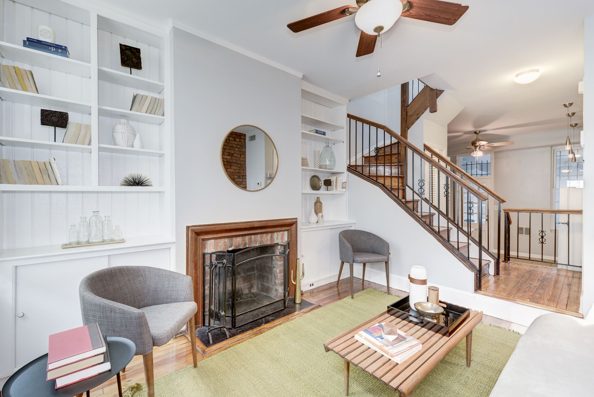 Capitol Hill - Donovan & Wye Group